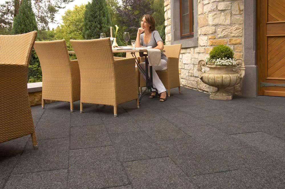 Conradi+Kaiser Terrassenbelag, Altreifen Recycling, Gummi-Recycling und Kreislaufwirtschaft