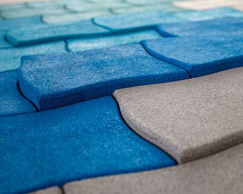Upcycling - Designobjekte aus Gummigranulat